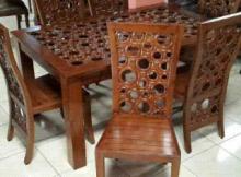 kursi makan donat