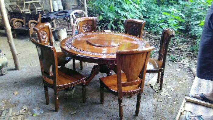 kursi makan salinah meja putar