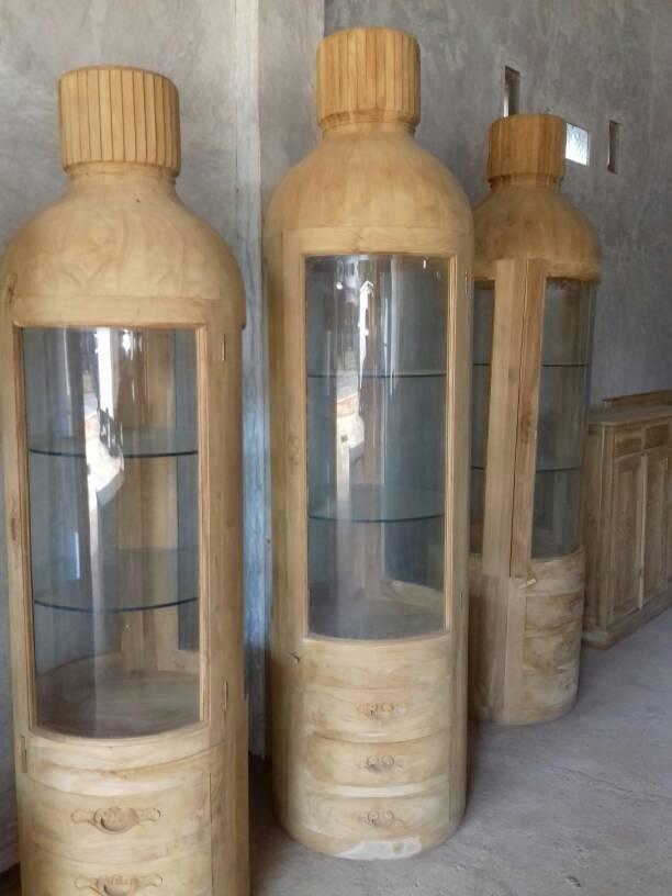 almari hias botol