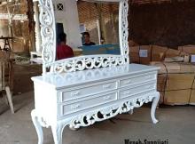 meja konsul klasik putih